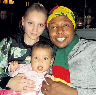Младшая сестра актрисы привезла мужа с египетского курорта. Фото: Vk.com