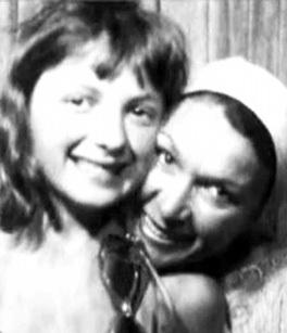 Юная Маша ПОРОШИНА с мамой Наталией КРАСНОЯРСКОЙ