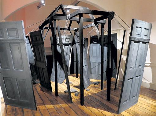 Скульптурная композиция Вики НЕЕЛОВОЙ «Пространство» произвела сильное впечатление на маститых критиков