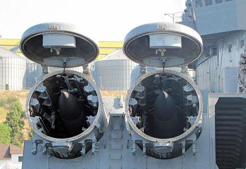 Российский противокорабельный комплекс «Вулкан», установленный на аргентинских судах, сможет топить английские военные корабли с расстояния 1000 км!