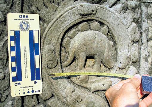 Этот стегозавр изображен на стене построенного в 1186 году камбоджийского храма Та Пром