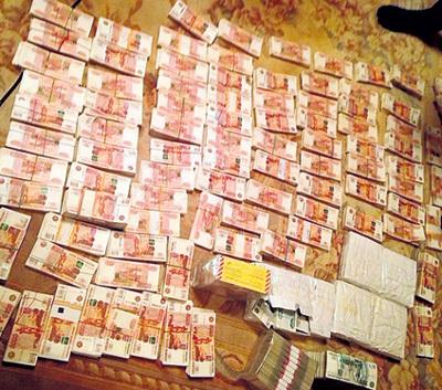 ...и 1 миллиард рублей наличными