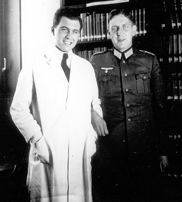 С Гербертом ГИЛЛЕ - командиром танковой дивизии «Викинг», в которой в начале войны изверг служил врачом