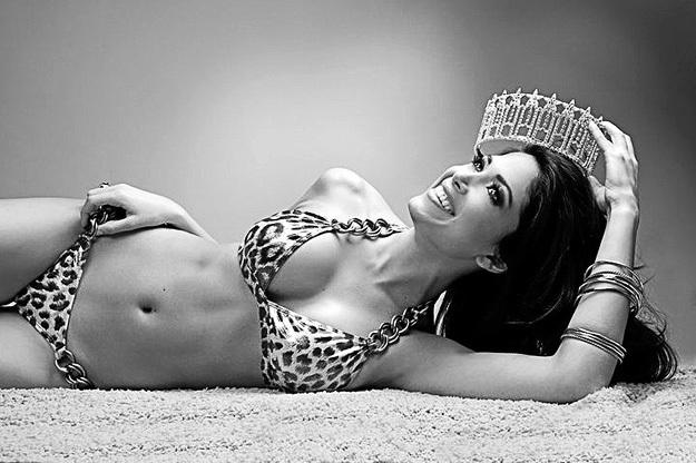 «Мисс Калифорния-2010»...