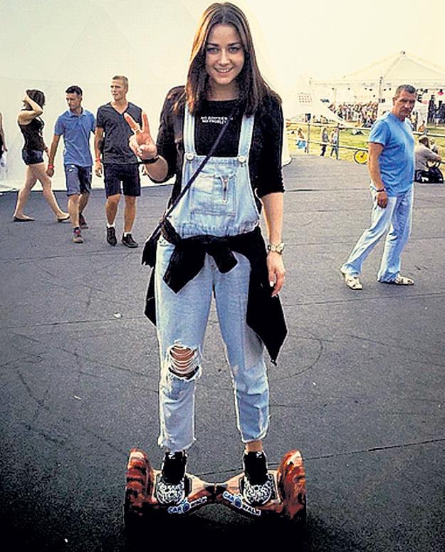Актриса-модница Ингрид ОЛЕРИНСКАЯ за несколько недель освоила гироскутер. Фото: Instagram.com