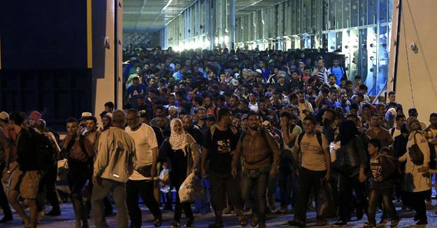 Европа оказалась один на один не с потоком беженцев, а с цунами. Действительная цифра – 60 миллионов. Это как если бы вся Турция снялась с места и куда-то уехала