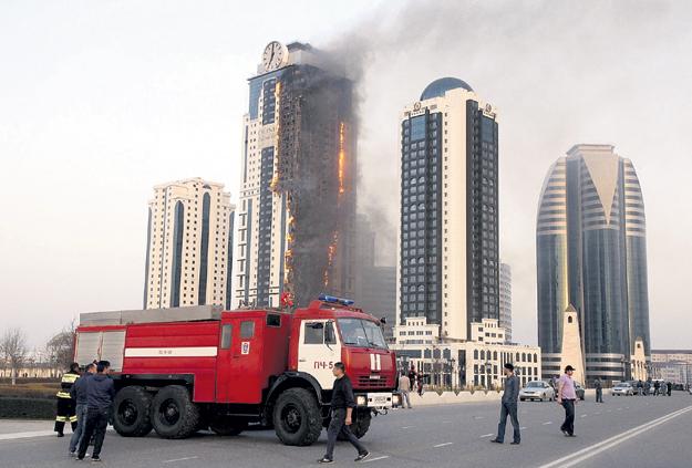 После возгорания башню «Олимп» в комплексе «Грозный-Сити» переименовали в «Феникс». Фото: © Reuters