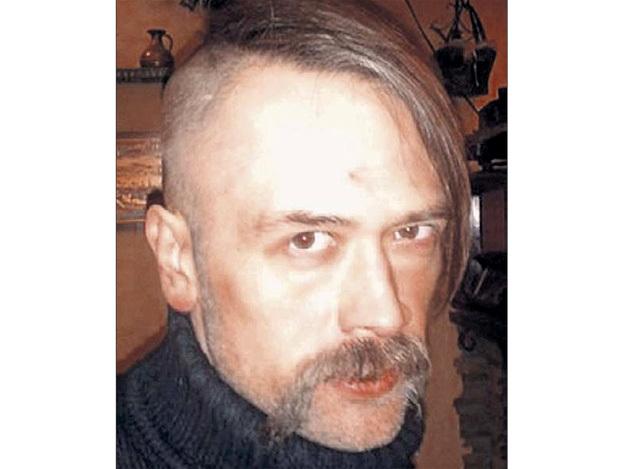 На родине Толик отрастил хохляцкий чуб. Выглядит актёр неопрятно и редко бывает трезв. Фото с сайта yaplakal.com