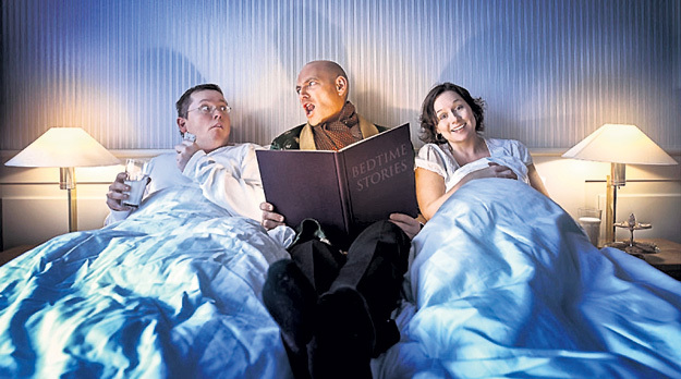 Чтобы почувствовать себя ребёнком, достаточно заказать в номер чтение книг на ночь