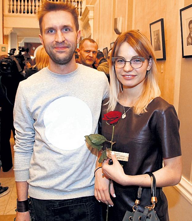 Младший сын Фёдора ДОБРОНРАВОВА Иван пришёл со своей девушкой Аней