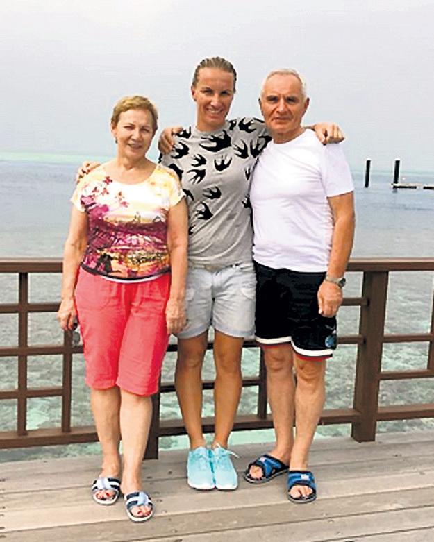 Светлана КУЗНЕЦОВА провела отпуск с родителями. Фото Константина БОЙЦОВА/«Советский спорт»