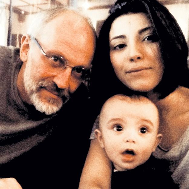 В январе Ноза подарила мужу второго сына, а маленькому Саше - братика. Фото: Instagram.com