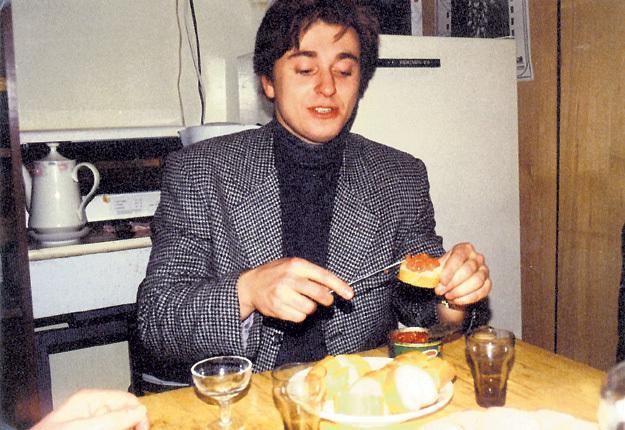 Лет 20 назад, а примерно столько этому снимку Сергея БЕЗРУКОВА, производители мухлевали с икрой реже. Фото: Архив EG.RU