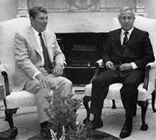 ИЮЛЬ 1987 ГОДА: с президентом Рейганом в Овальном кабинете