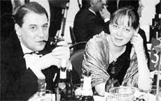 ПРЕЗИДЕНТ РОССИЙСКОЙ ФИНАНСОВОЙ КОРПОРАЦИИ АНДРЕЙ НЕЧАЕВ: с экс - женой Марка Розовского Ланой