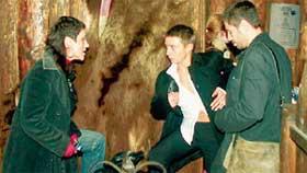 ТАТЬЯНА С &#034БУРЖУЕМ&#034: после вечеринки с трудом держались на ногах (слева - скандально известная байкерша Альветта)