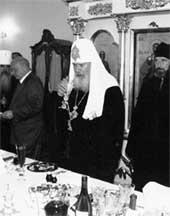 БОЖЕСТВЕННЫЙ НАПИТОК: ничто земное патриарху не чуждо