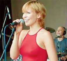 АЛЬБИНА: была такой, когда пела у Меладзе
