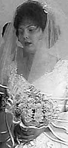 ОЛЬГА КОЗЫРИНА: одна из доверчивых продавщиц свадебного наряда