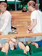 НОГИ ВВЕРХ: от поведения супруга Варум была просто в отпаде