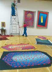 ПОДГОТОВКА В ТРЕТЬЯКОВКЕ: экспозиция картин Бруя открылась 27 сентября 2005 г.