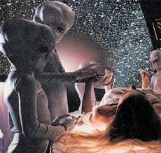 НЛО: пришельцы воруют зародыша у землянки