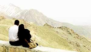 В ОЖИДАНИИ АМЕРИКАНСКИХ БОМБЕЖЕК: надо успеть насладиться мирным небом