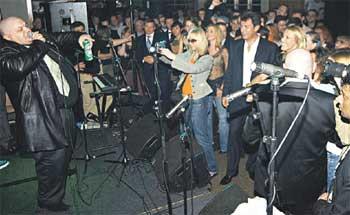 ЛОНДОНСКИЙ КОНЦЕРТ: Борис Немцов буквально вырвал Ксюшу из лап матерщинника
