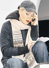 МЕЖДУ ДУБЛЯМИ: телефон не умолкает