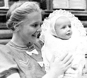 5-месячный Саша с мамой. Весна 1939 года