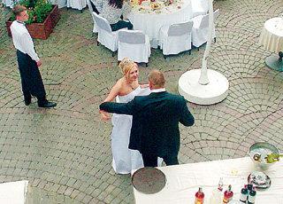 Семейные разборки начались уже на свадьбе, хотя тогда до серьёзной ссоры дело и не дошло