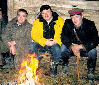 С режиссёром Валерием ШАЛЫГОЙ (в центре) на съёмках сериала «1941»
