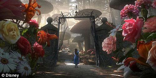 Алиса в цветочном саду