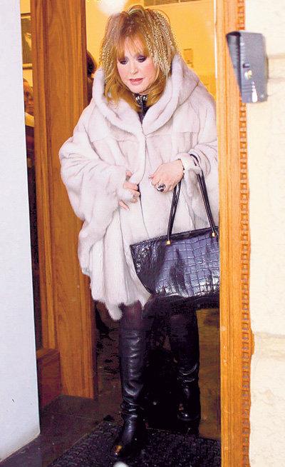 Это меховое пальтишко примадонна купила за 25 000 евро