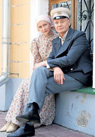 Котовский (ГАЛКИН) и его возлюбленная Тоня (Екатерина СТУЛОВА)