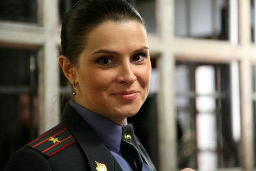 Героиня нового ситкома майор Кондратьева (Екатерина Крупенина) - строгая, но симпатичная