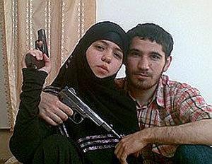17-летняя Дженнет Абдурахманова - вдова лидера дагестанских боевиков Умалата Магомедова. Фото: newsru.com