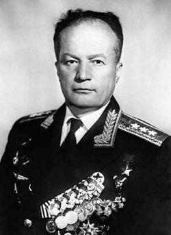 Генерал-полковник авиации Николай Каманин вышел в отставку в 1972 году