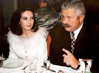 ...узнав, что новая избранница её бывшего мужа Ирина ПОПОВА вдвое его моложе