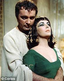 Ричард Бёртон и Элизабет Тейлор в фильме 1963 года Клеопатра - фото The Daily Mail