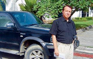 Михаил ПЛЕТНЁВ валит всё на соседа по дому и выражает готовность всячески помогать полиции в расследовании дела