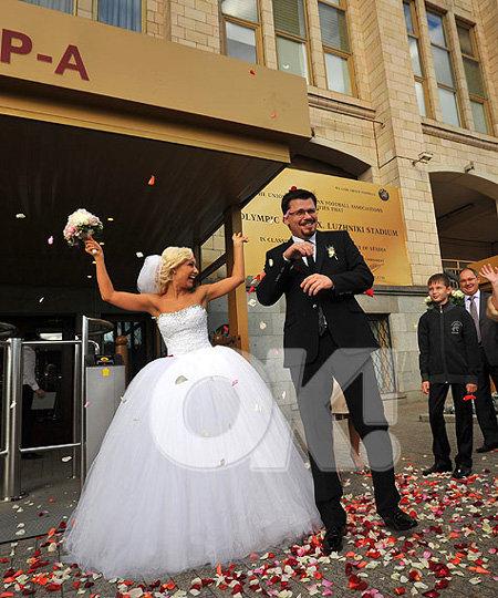 В свадебное путешествие молодожёны планируют отправиться попозже, и в качестве варианта рассматривают Ямайку