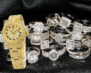 Чтобы купить себе квартиру, бывшей рублёвской жене пришлось продать бриллианты и часы «Rolex»