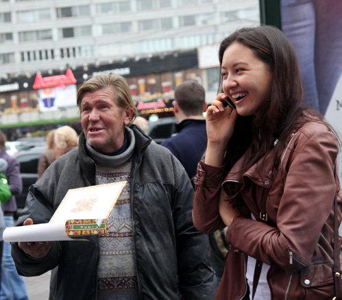 Московский бомж пытался продать голливудским звёздам сигары по 50 рублей