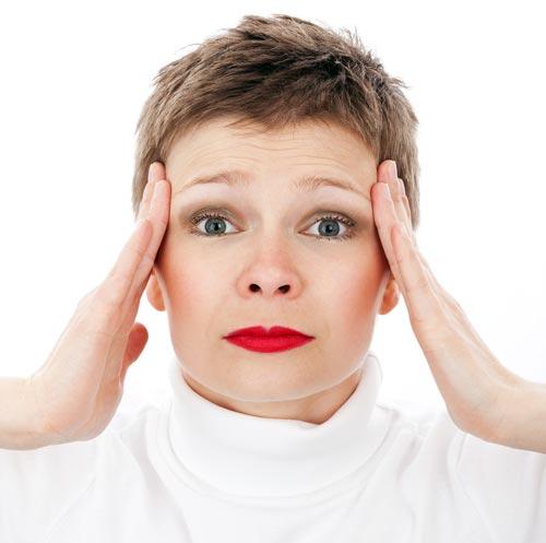 Ученые назвали причины утренних головных болей