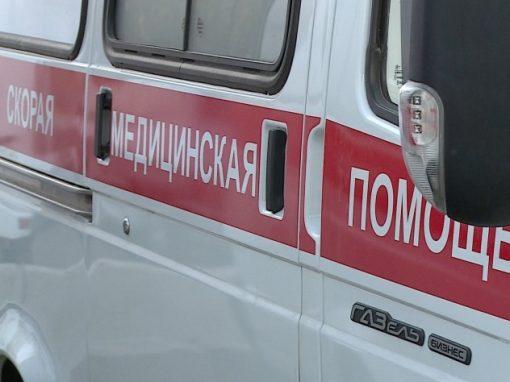 Автомобиль сбил 2-х  девушек, пытавшихся сделать селфи наКАД вПетербурге