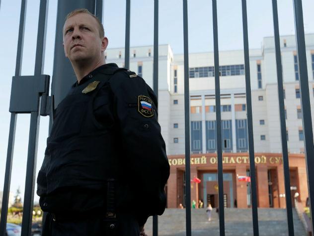 Появились кадры перестрелки, устроенной злоумышленниками  при попытке побега изМособлсуда