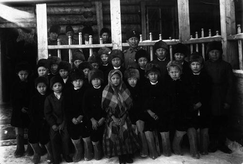 Ученики церковно-приходской школы в Якутии, конец XIX-начало XX века