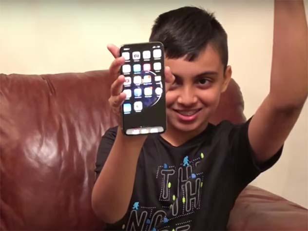 Пользоваться системой FaceID вiPhone Xочень опасно— еелегко обмануть
