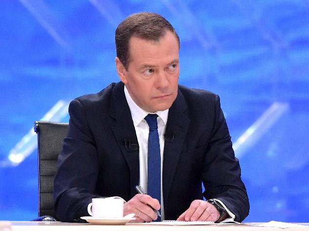 Медведев: предвыборная кампания требует откабмина максимально четкой ислаженной работы